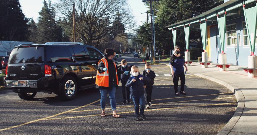 Students arriving to school.